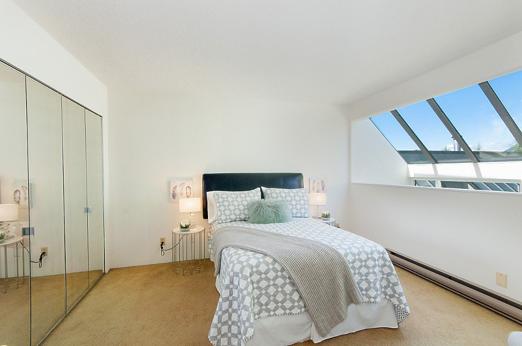 """Photo 14: Photos: 12 1870 YEW Street in Vancouver: Kitsilano Townhouse for sale in """"NEWPORT MEWS"""" (Vancouver West)  : MLS®# R2180967"""