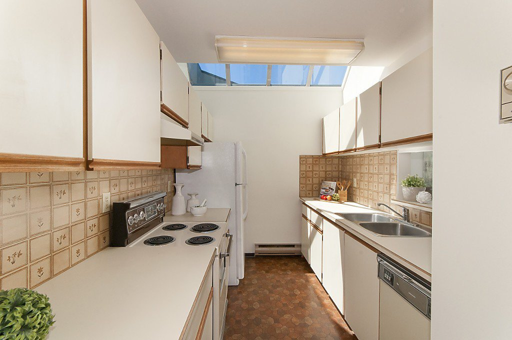 """Photo 11: Photos: 12 1870 YEW Street in Vancouver: Kitsilano Townhouse for sale in """"NEWPORT MEWS"""" (Vancouver West)  : MLS®# R2180967"""