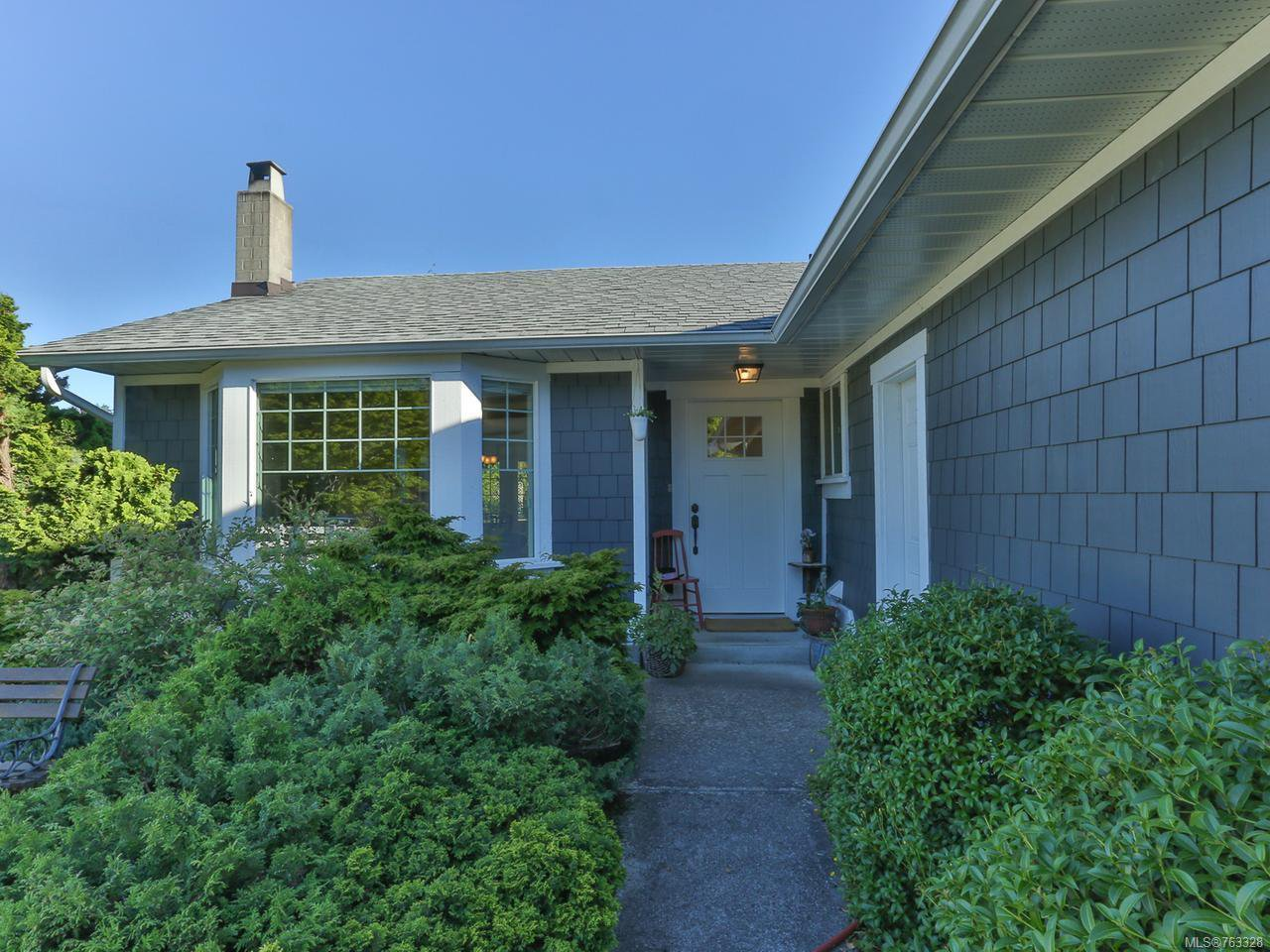 Main Photo: 504 W First Ave in QUALICUM BEACH: PQ Qualicum Beach House for sale (Parksville/Qualicum)  : MLS®# 763328