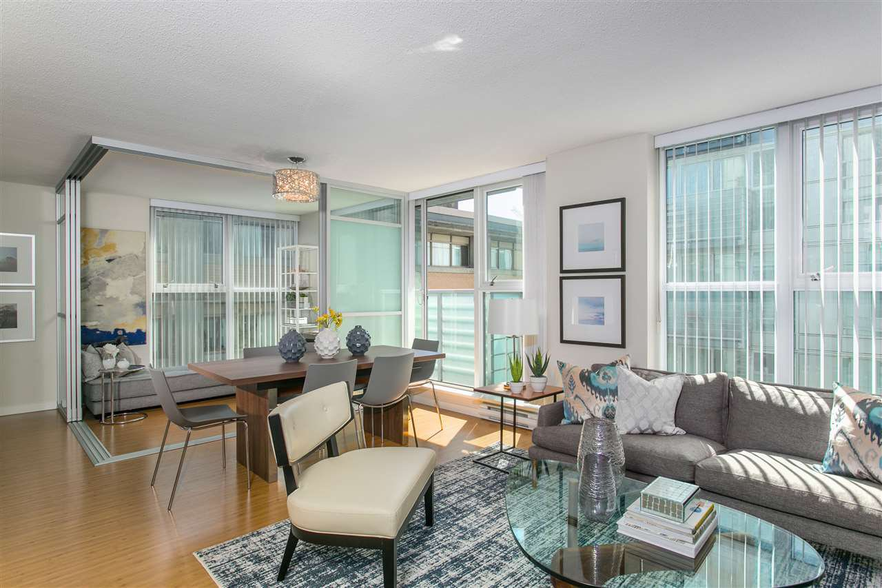 Main Photo: 715 168 POWELL STREET in : Downtown VE Condo for sale : MLS®# R2082518