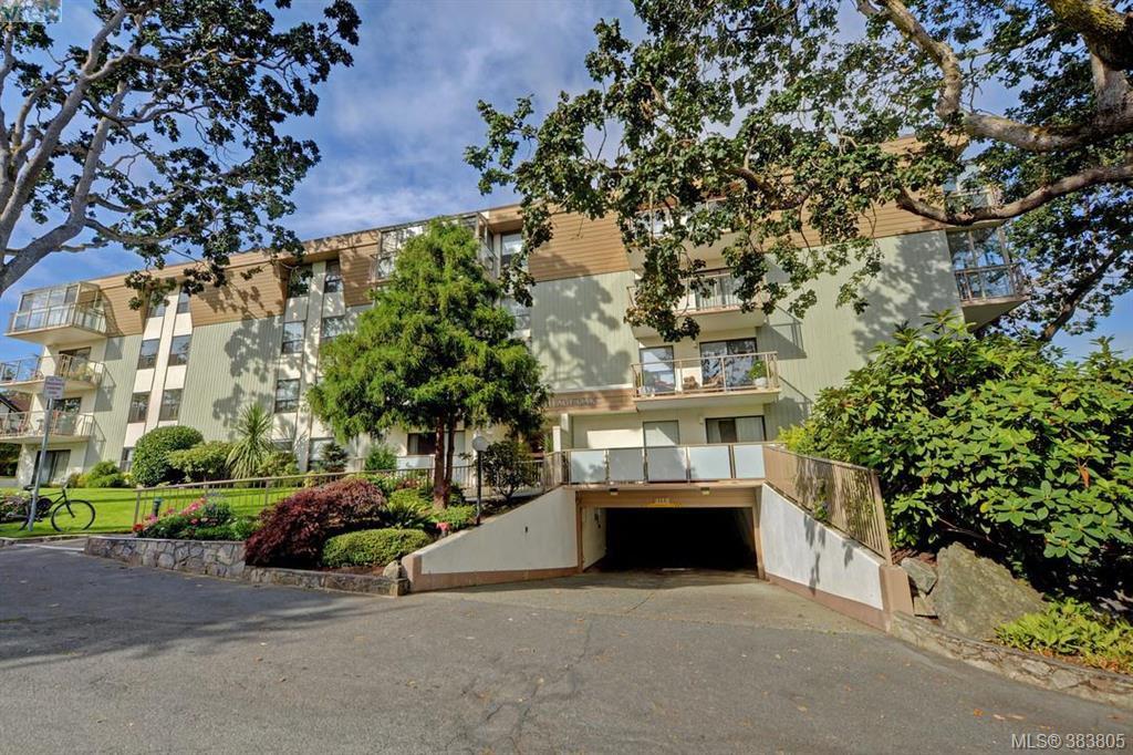 Main Photo: 305 2125 Oak Bay Avenue in VICTORIA: OB South Oak Bay Condo Apartment for sale (Oak Bay)  : MLS®# 383805