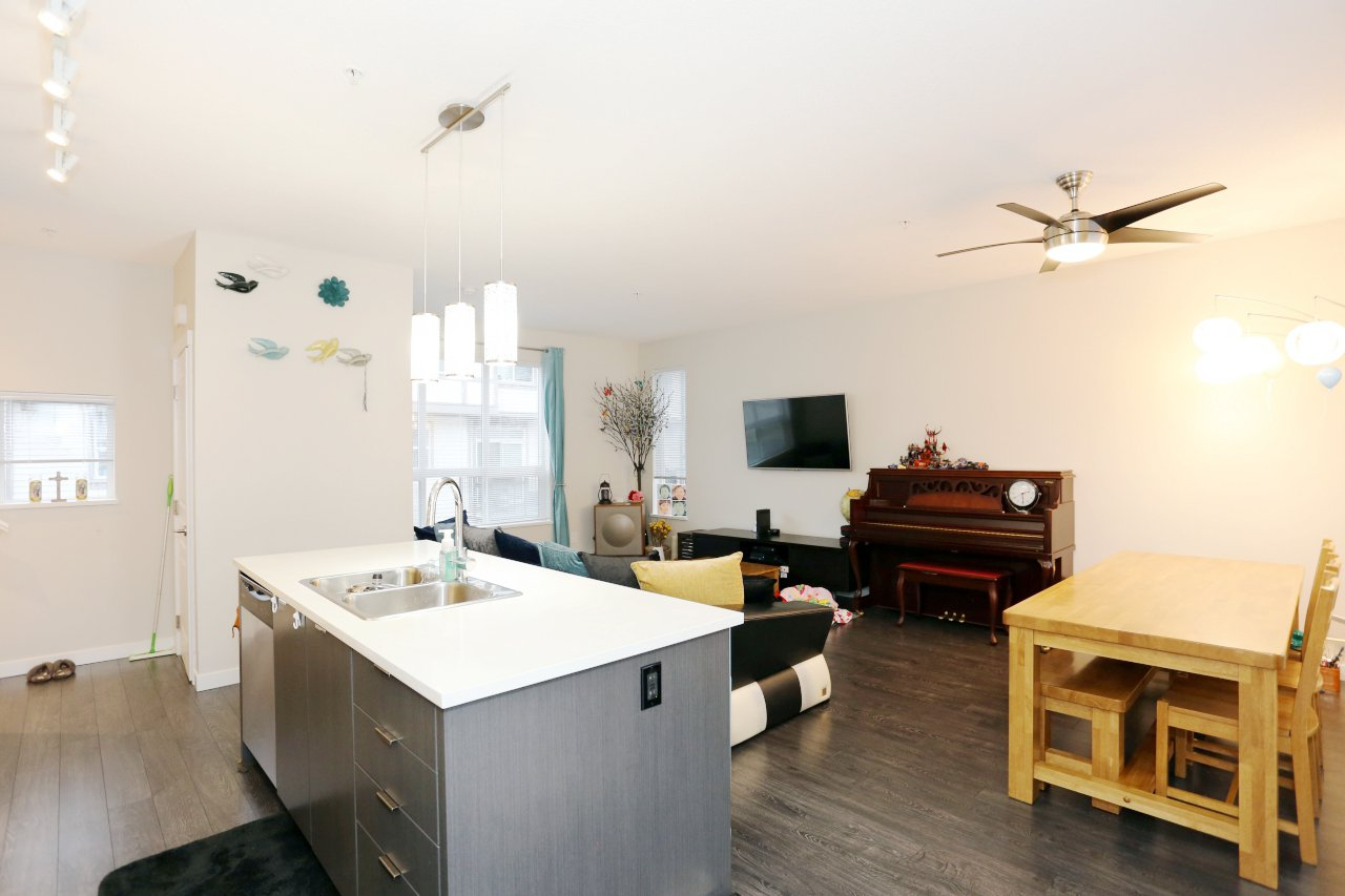 """Photo 12: Photos: 55 7848 209 Street in Langley: Willoughby Heights Townhouse for sale in """"Mason & Green"""" : MLS®# R2235766"""