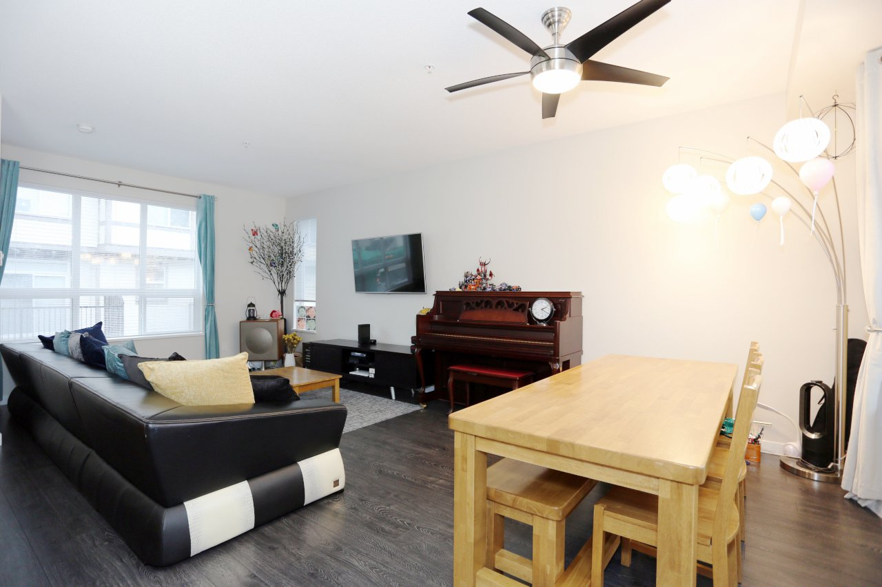 """Photo 9: Photos: 55 7848 209 Street in Langley: Willoughby Heights Townhouse for sale in """"Mason & Green"""" : MLS®# R2235766"""