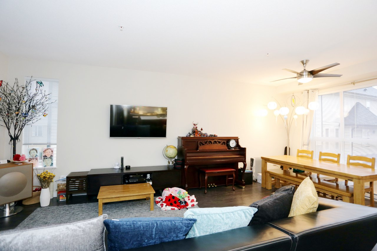 """Photo 7: Photos: 55 7848 209 Street in Langley: Willoughby Heights Townhouse for sale in """"Mason & Green"""" : MLS®# R2235766"""