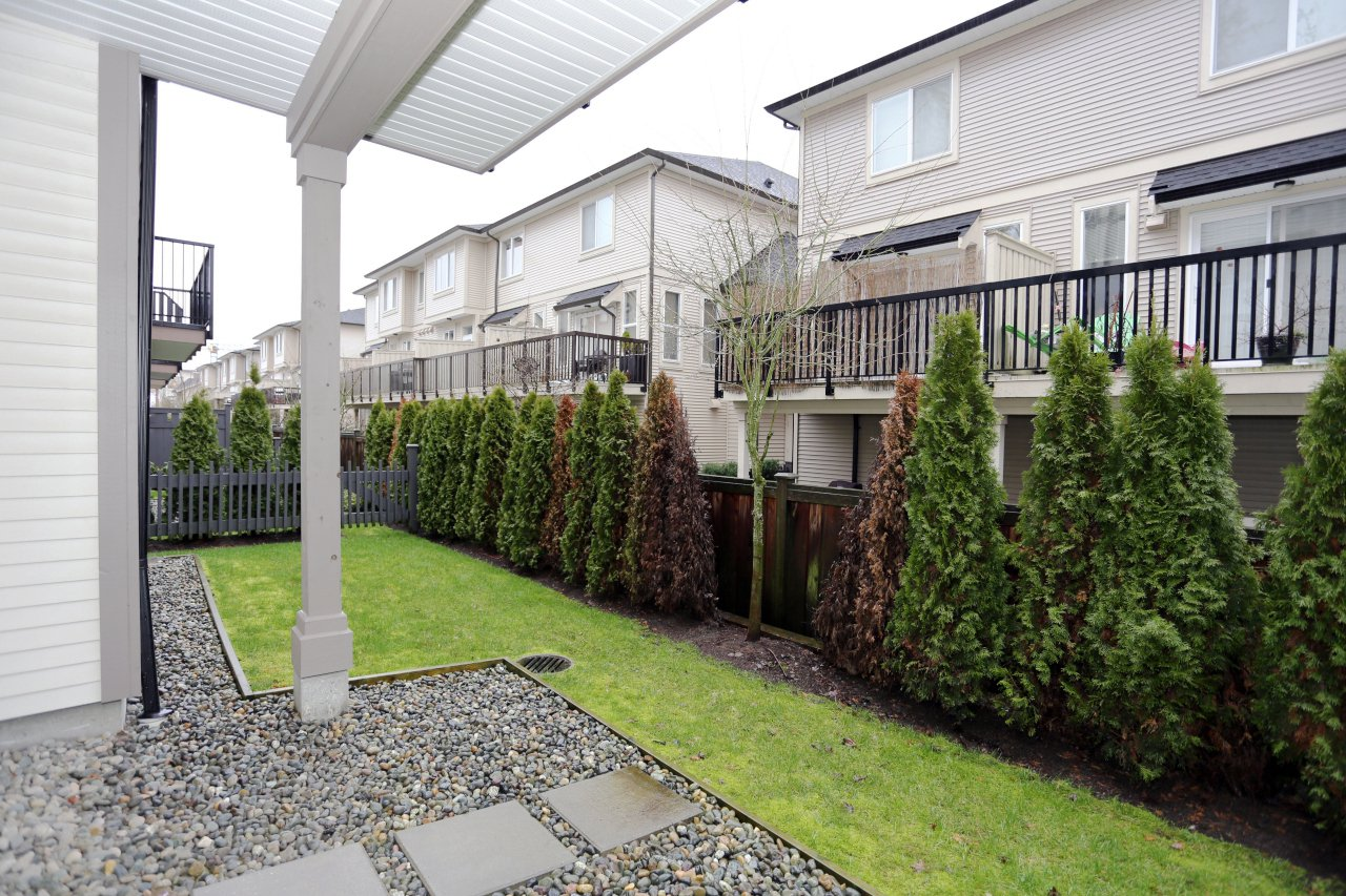 """Photo 22: Photos: 55 7848 209 Street in Langley: Willoughby Heights Townhouse for sale in """"Mason & Green"""" : MLS®# R2235766"""