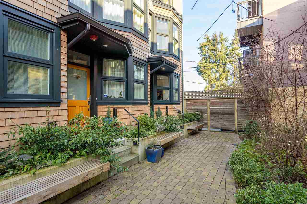"Main Photo: 1777 E 20TH Avenue in Vancouver: Victoria VE Townhouse for sale in ""CEDAR COTTAGE Townhomes-Gow Bloc"" (Vancouver East)  : MLS®# R2333733"