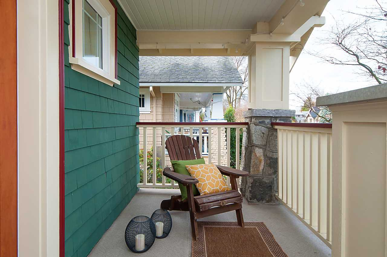 Photo 2: Photos: 3028 W 5TH Avenue in Vancouver: Kitsilano House 1/2 Duplex for sale (Vancouver West)  : MLS®# R2335620