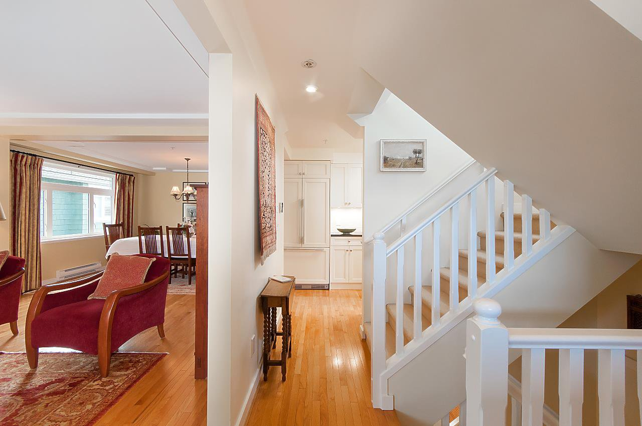 Photo 9: Photos: 3028 W 5TH Avenue in Vancouver: Kitsilano House 1/2 Duplex for sale (Vancouver West)  : MLS®# R2335620