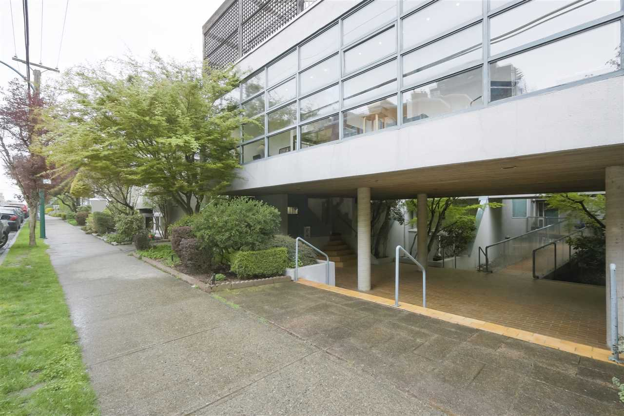 Photo 20: Photos: 1033 W 8TH Avenue in Vancouver: Fairview VW Townhouse for sale (Vancouver West)  : MLS®# R2357973