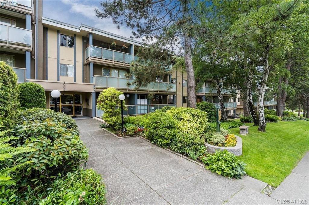Main Photo: 402 1025 Inverness Road in VICTORIA: SE Quadra Condo Apartment for sale (Saanich East)  : MLS®# 411528