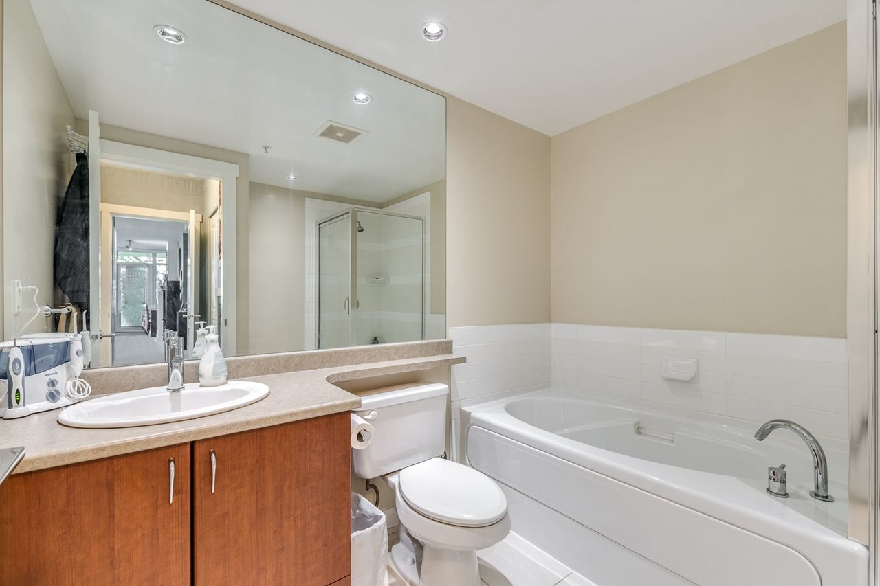 """Photo 18: Photos: 610 9266 UNIVERSITY Crescent in Burnaby: Simon Fraser Univer. Condo for sale in """"Aurora"""" (Burnaby North)  : MLS®# R2471513"""