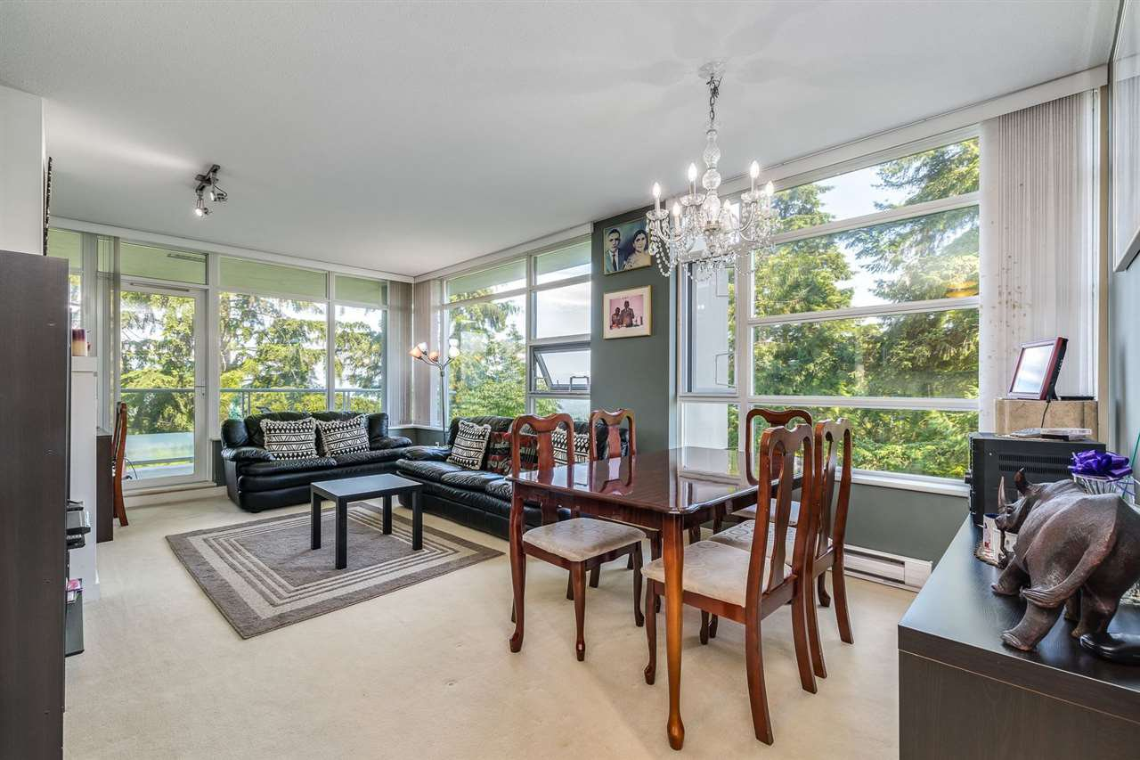 """Photo 4: Photos: 610 9266 UNIVERSITY Crescent in Burnaby: Simon Fraser Univer. Condo for sale in """"Aurora"""" (Burnaby North)  : MLS®# R2471513"""