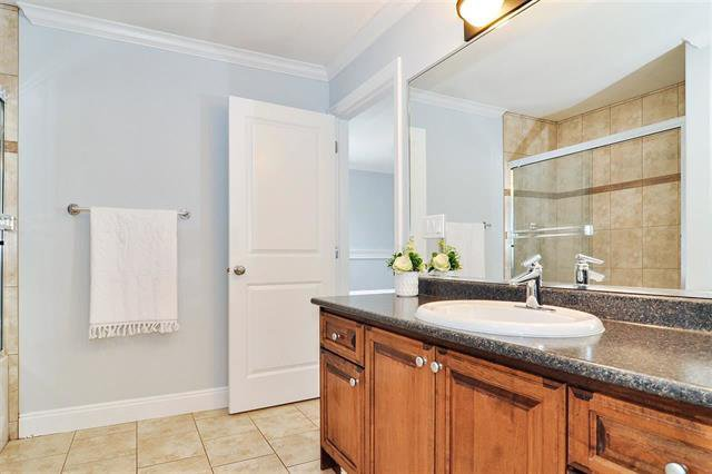 Photo 11: Photos: 7304 202 Street in Surrey: Willoughby Heights House for sale (Langley)  : MLS®# R2497976