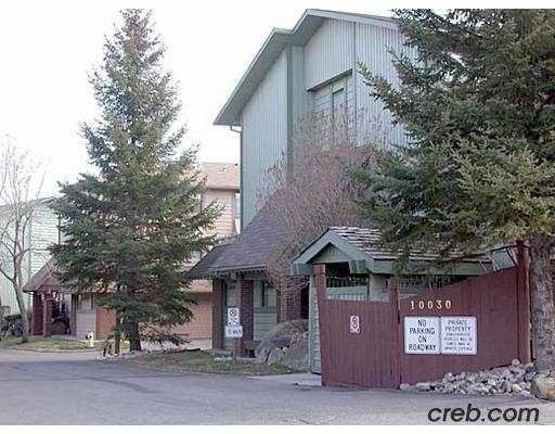 Main Photo:  in : Oakridge Townhouse for sale (Calgary)  : MLS®# C2191509
