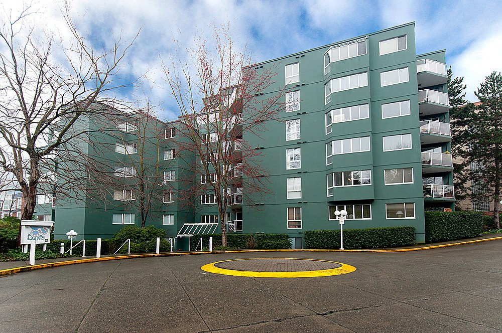Main Photo: 104 1508 MARINER'S Walk in Vancouver: False Creek Condo for sale (Vancouver West)  : MLS®# V877552
