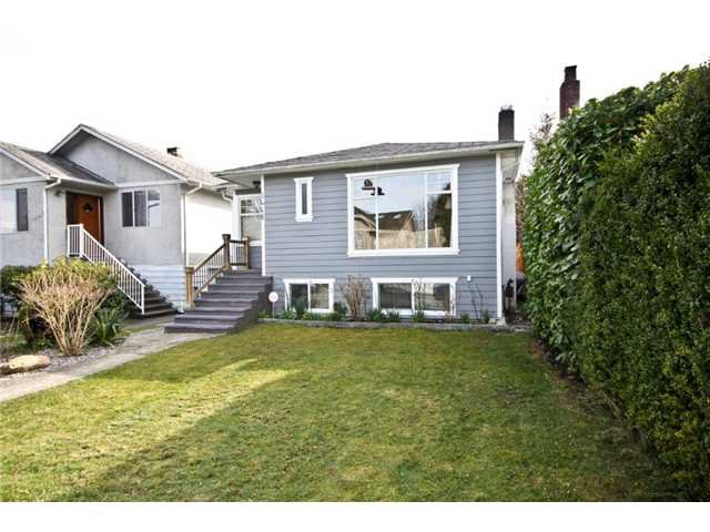 Main Photo: 3468 W 14TH Avenue in Vancouver: Kitsilano House for sale (Vancouver West)  : MLS®# V939443