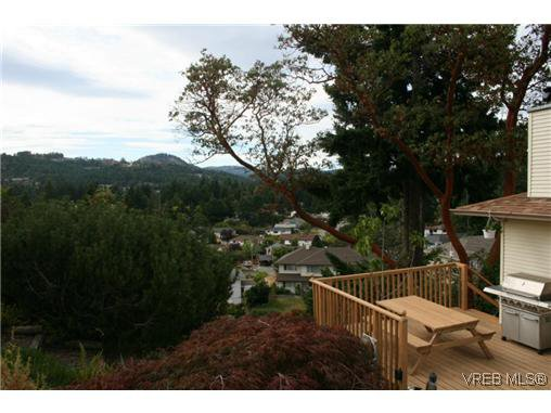 Photo 2: Photos: 106 Sunkist Close in VICTORIA: La Thetis Heights Residential for sale (Langford)  : MLS®# 313137