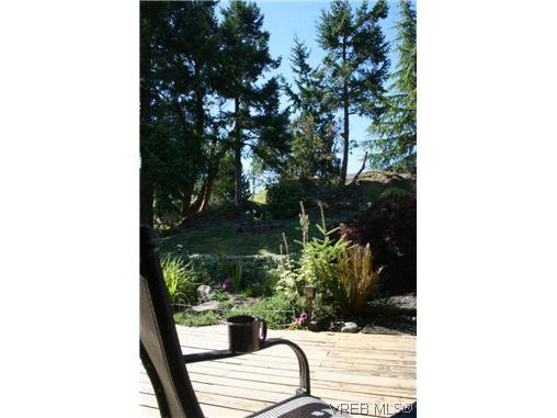 Photo 13: Photos: 106 Sunkist Close in VICTORIA: La Thetis Heights Residential for sale (Langford)  : MLS®# 313137