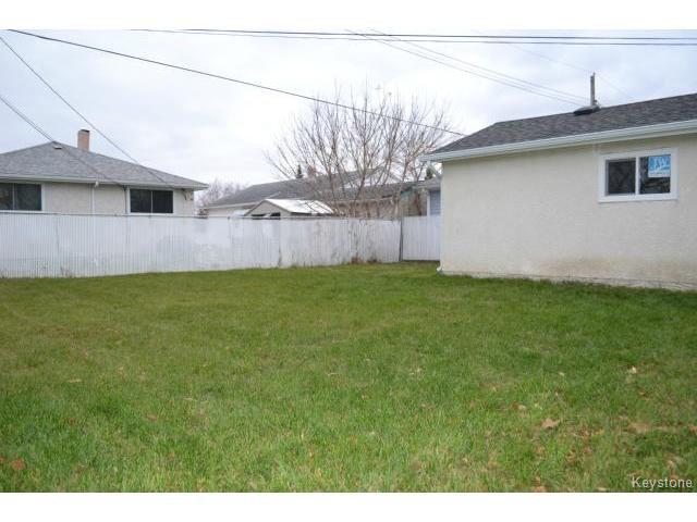 Photo 12: Photos: 863 Autumnwood Drive in WINNIPEG: Windsor Park / Southdale / Island Lakes Residential for sale (South East Winnipeg)  : MLS®# 1427106