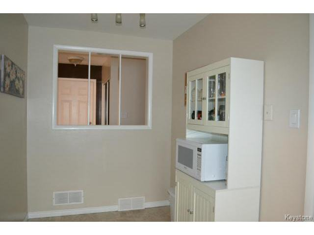 Photo 5: Photos: 863 Autumnwood Drive in WINNIPEG: Windsor Park / Southdale / Island Lakes Residential for sale (South East Winnipeg)  : MLS®# 1427106