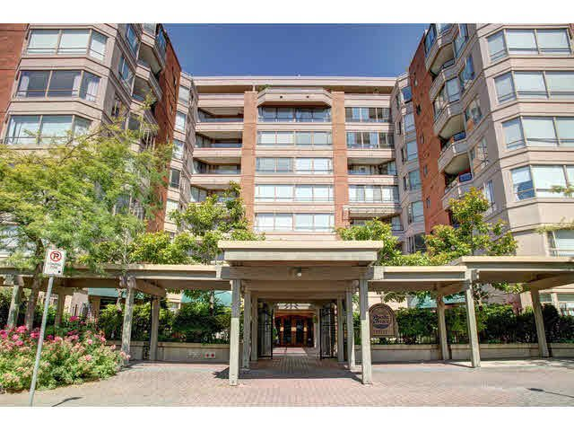 "Main Photo: 310 15111 RUSSELL Avenue: White Rock Condo for sale in ""Pacific Terrace"" (South Surrey White Rock)  : MLS®# F1440181"