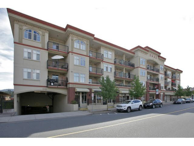 "Photo 2: Photos: 102 2632 PAULINE Street in Abbotsford: Central Abbotsford Condo for sale in ""Yale Crossing"" : MLS®# F1450210"