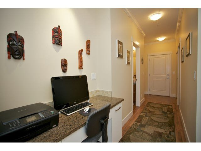 "Photo 13: Photos: 102 2632 PAULINE Street in Abbotsford: Central Abbotsford Condo for sale in ""Yale Crossing"" : MLS®# F1450210"
