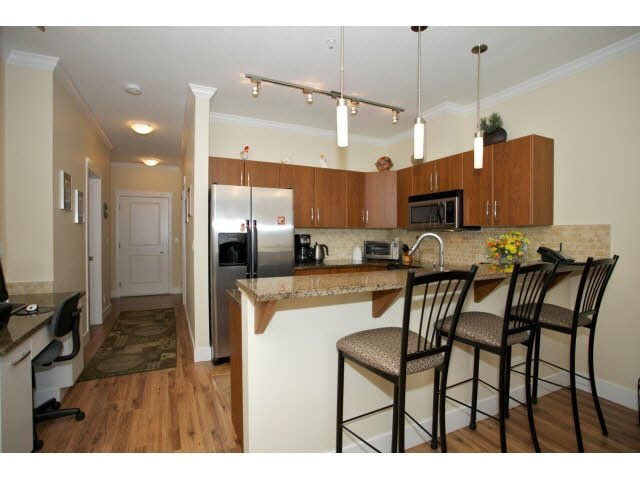"Photo 9: Photos: 102 2632 PAULINE Street in Abbotsford: Central Abbotsford Condo for sale in ""Yale Crossing"" : MLS®# F1450210"