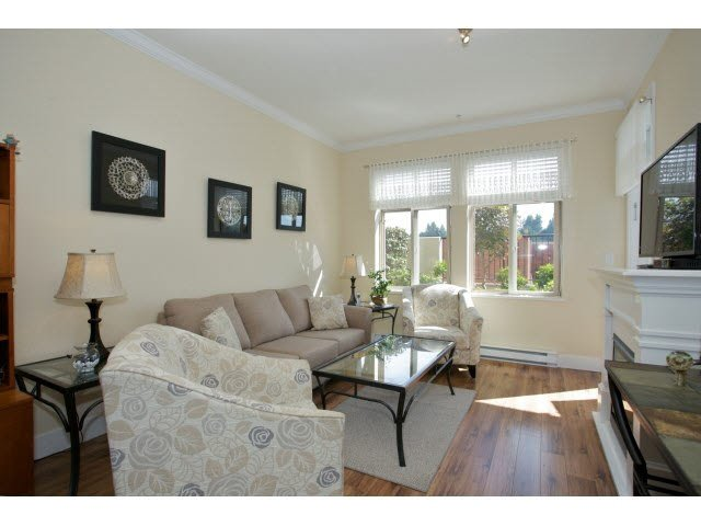 "Photo 3: Photos: 102 2632 PAULINE Street in Abbotsford: Central Abbotsford Condo for sale in ""Yale Crossing"" : MLS®# F1450210"