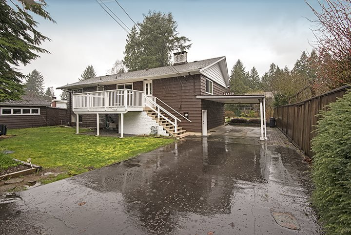 Main Photo: 21639 MOUNTAINVIEW Crescent in Maple Ridge: West Central House for sale : MLS®# R2045294