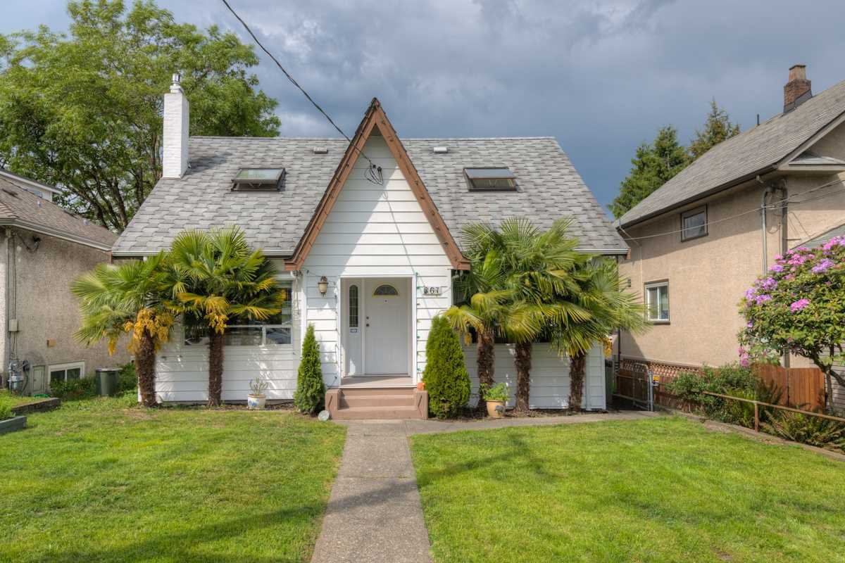 Main Photo: 367 SIMPSON Street in New Westminster: Sapperton House for sale : MLS®# R2065622