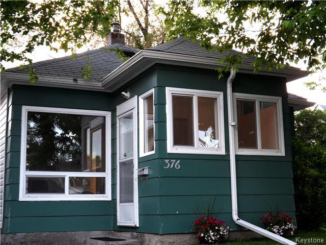 GREAT CURB APPEAL ON THIS GEM! NICE UPDATED WINDOWS AND SHINGLES APPEAR TO BE IN GOOD SHAPE!