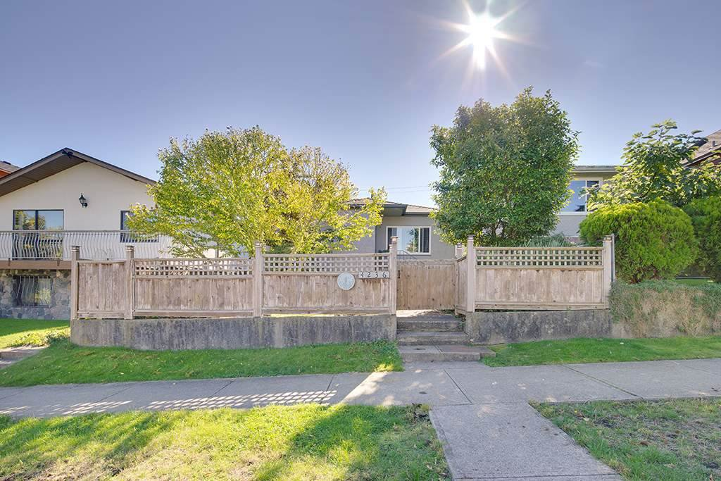 Main Photo: 4236 ETON Street in Burnaby: Vancouver Heights House for sale (Burnaby North)  : MLS®# R2126588