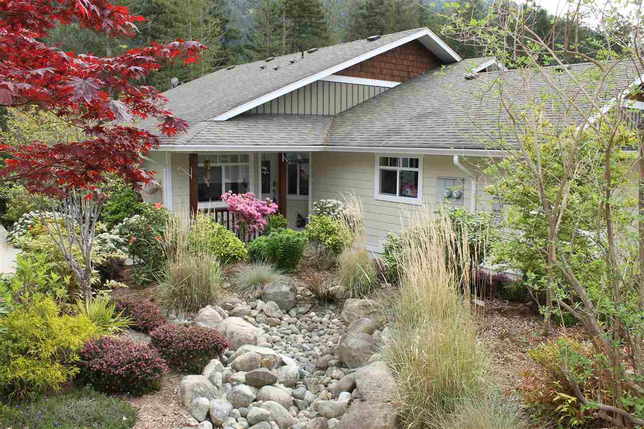Photo 1: Photos: 11 12710 LAGOON Road in Madeira Park: Pender Harbour Egmont Townhouse for sale (Sunshine Coast)  : MLS®# R2130707