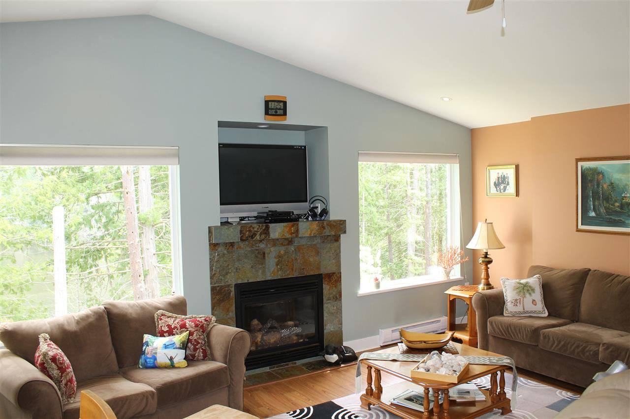Photo 15: Photos: 11 12710 LAGOON Road in Madeira Park: Pender Harbour Egmont Townhouse for sale (Sunshine Coast)  : MLS®# R2130707