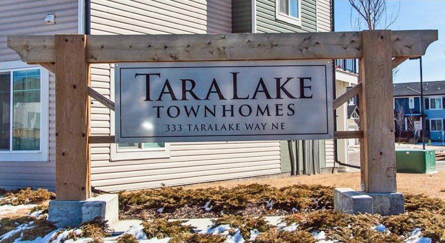 Main Photo: 347 TARALAKE Way NE in Calgary: Taradale House for sale : MLS®# C4108577
