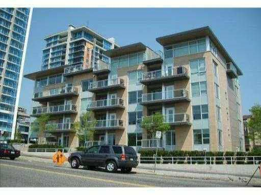 """Main Photo: 204 1288 CHESTERFIELD Avenue in North Vancouver: Central Lonsdale Condo for sale in """"ALINA"""" : MLS®# R2183669"""