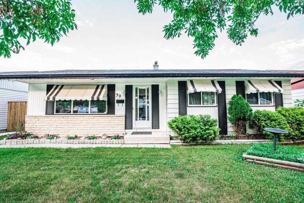 Main Photo: 39 Finestone Street in Winnipeg: Garden Grove Single Family Detached for sale (4K)  : MLS®# 1718386