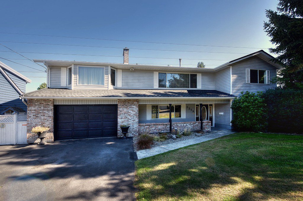 "Main Photo: 1558 53A Street in Delta: Cliff Drive House for sale in ""TSAWWASSEN CENTRAL"" (Tsawwassen)  : MLS®# R2210215"
