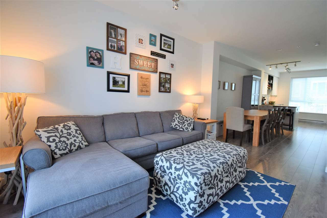 "Photo 5: Photos: 9 2325 RANGER Lane in Port Coquitlam: Riverwood Townhouse for sale in ""Fremont Blue"" : MLS®# R2280010"