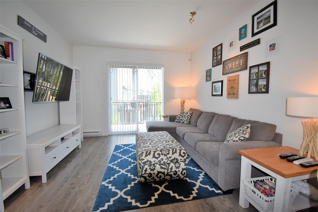 "Photo 3: Photos: 9 2325 RANGER Lane in Port Coquitlam: Riverwood Townhouse for sale in ""Fremont Blue"" : MLS®# R2280010"