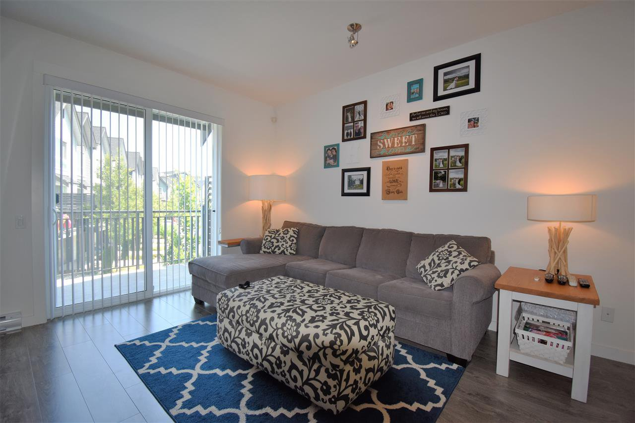 """Photo 4: Photos: 9 2325 RANGER Lane in Port Coquitlam: Riverwood Townhouse for sale in """"Fremont Blue"""" : MLS®# R2280010"""