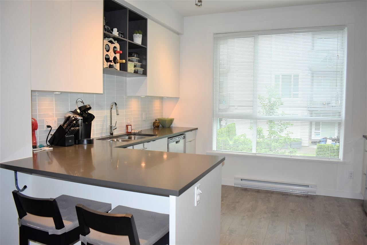 "Photo 8: Photos: 9 2325 RANGER Lane in Port Coquitlam: Riverwood Townhouse for sale in ""Fremont Blue"" : MLS®# R2280010"