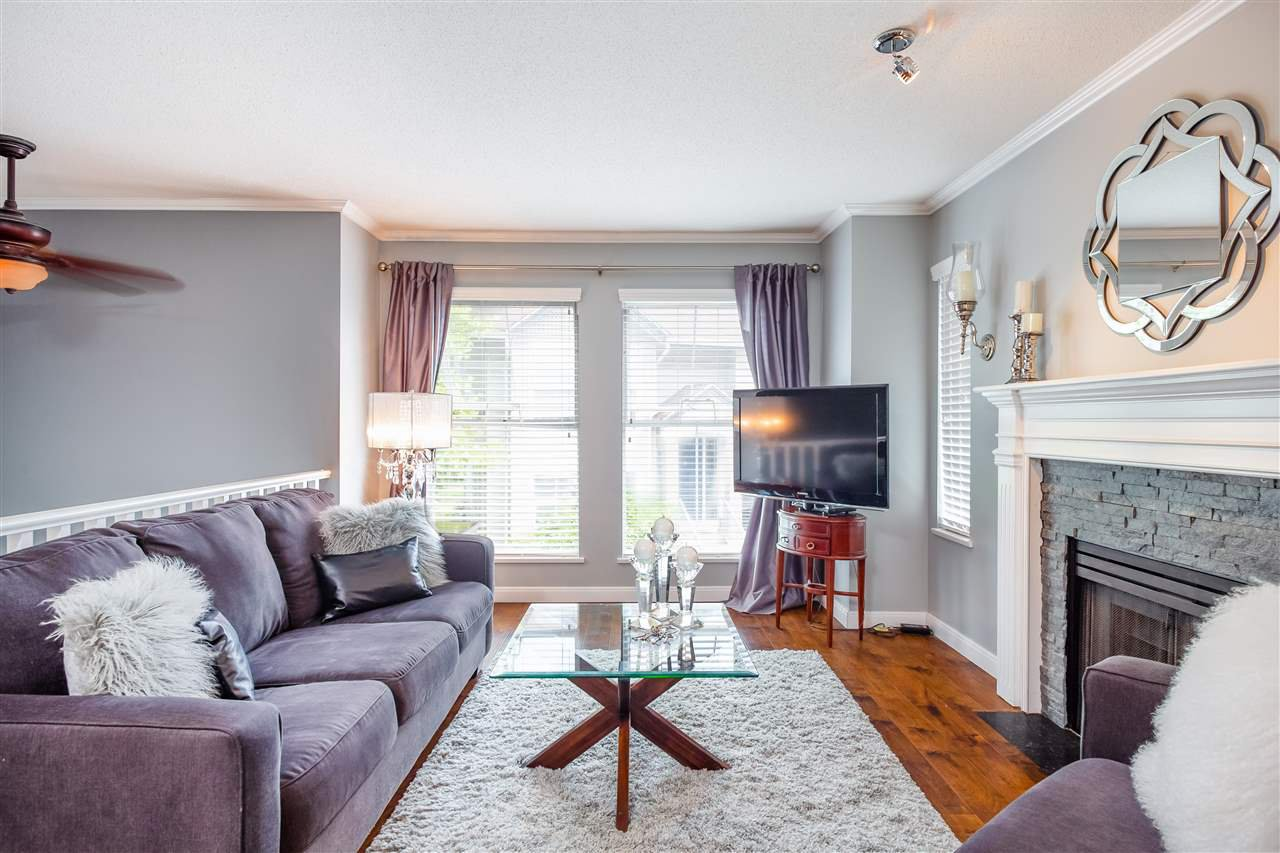 """Main Photo: 10 8716 WALNUT GROVE Drive in Langley: Walnut Grove Townhouse for sale in """"WILLOW ARBOUR"""" : MLS®# R2285019"""