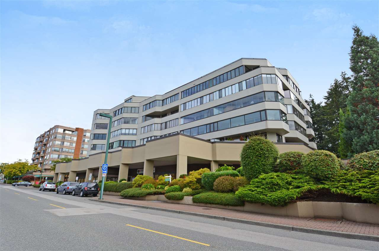 "Main Photo: 504 1480 FOSTER Street: White Rock Condo for sale in ""White Rock Square I"" (South Surrey White Rock)  : MLS®# R2304471"