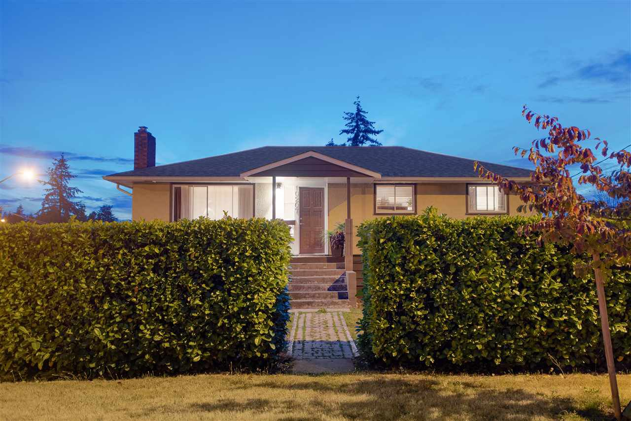 Main Photo: 10207 125A Street in Surrey: Cedar Hills House for sale (North Surrey)  : MLS®# R2307842