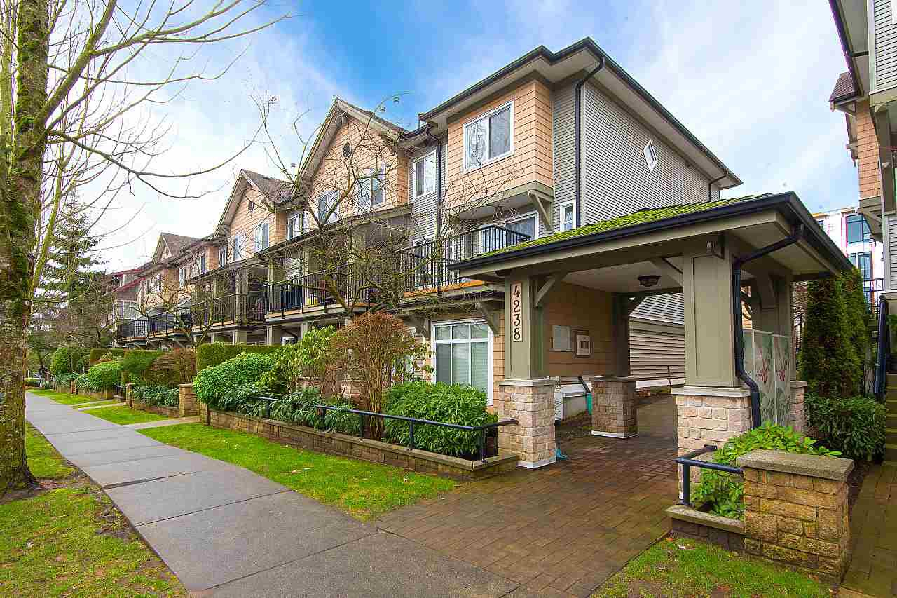 "Main Photo: 205 4238 ALBERT Street in Burnaby: Vancouver Heights Townhouse for sale in ""VILLAGIO ON THE HEIGHTS"" (Burnaby North)  : MLS®# R2332069"