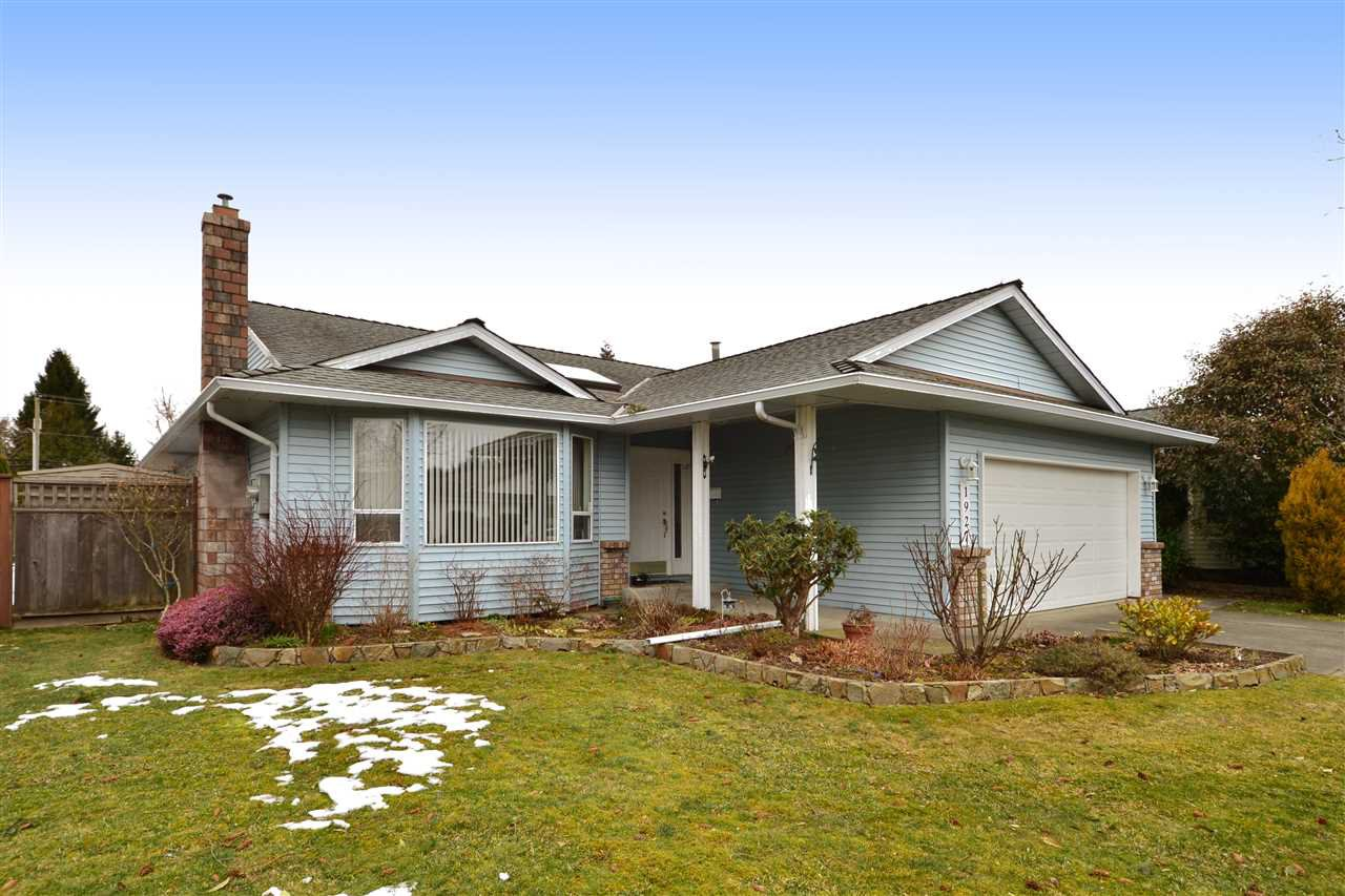 """Main Photo: 1927 140A Street in Surrey: Sunnyside Park Surrey House for sale in """"OCEAN BLUFF"""" (South Surrey White Rock)  : MLS®# R2342324"""