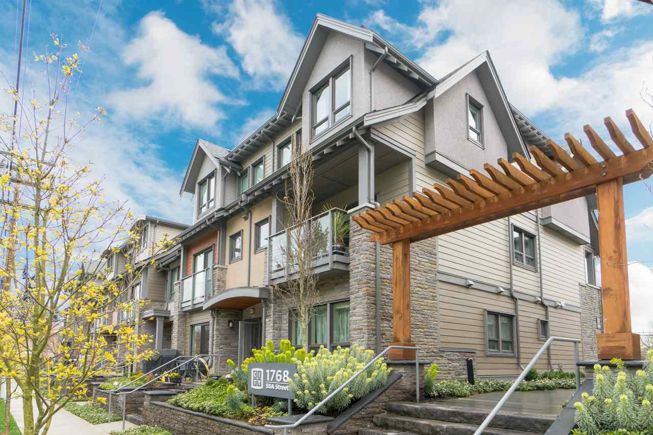 "Main Photo: 312 1768 E 55A Street in Delta: Cliff Drive Townhouse for sale in ""CITY HOMES"" (Tsawwassen)  : MLS®# R2357231"