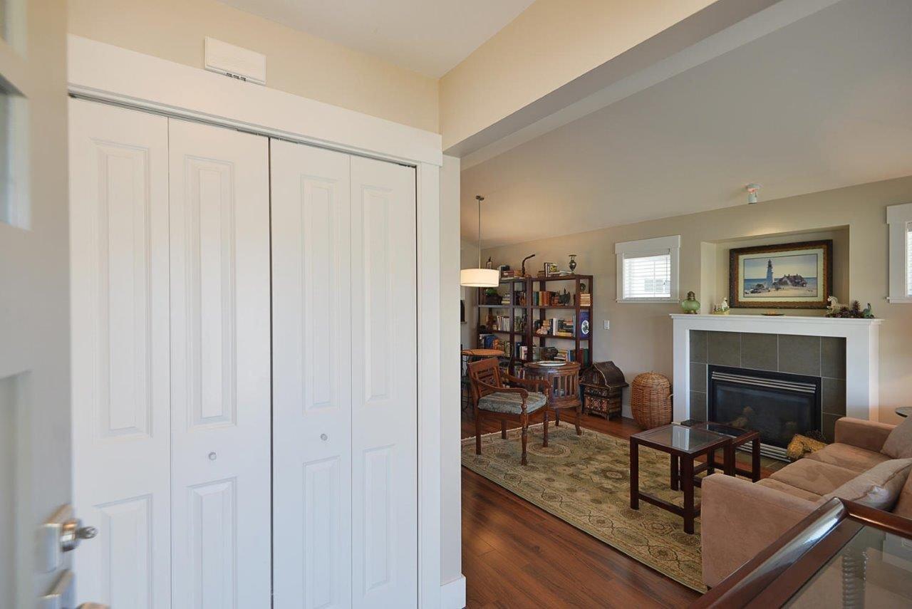 Photo 2: Photos: 6249 KEVINS Road in Sechelt: Sechelt District House for sale (Sunshine Coast)  : MLS®# R2374437